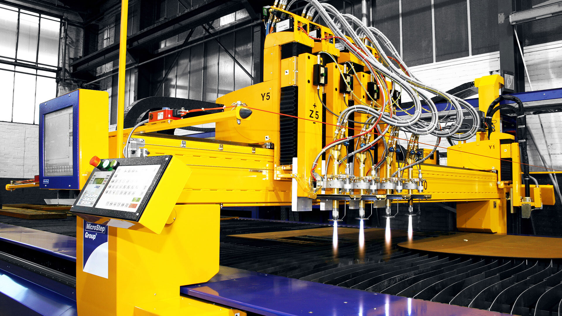 The CombiCut oxyfuel cutting machine is ideally suited for multi-shift operation